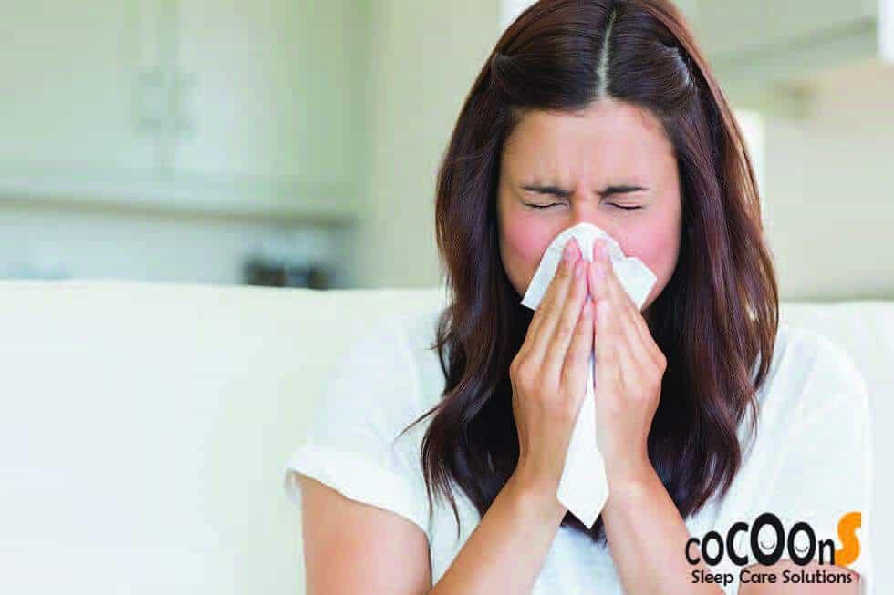 Trị cảm lạnh tại nhà đơn giản với tinh dầu hợp hương bảo vệ sức khỏe Health Shield